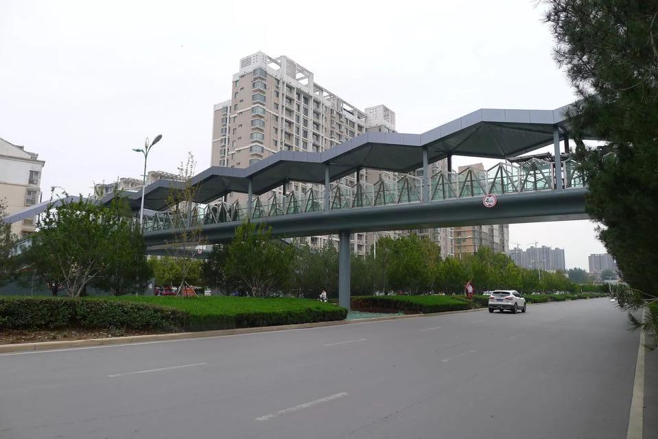 晋城市景西路凤西广场人行天桥