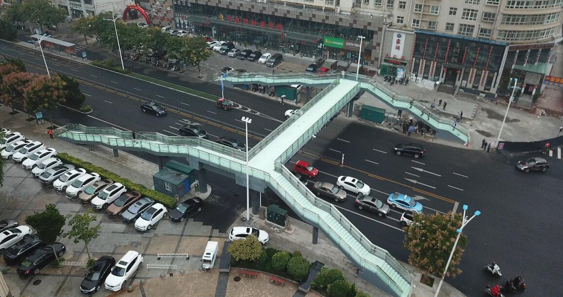 晋城市文化路与红星东街人行天桥