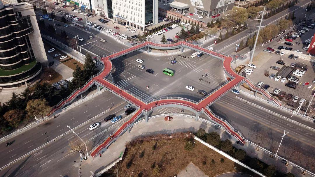 晋城市兰花路与红星东街交叉口环形人行天桥